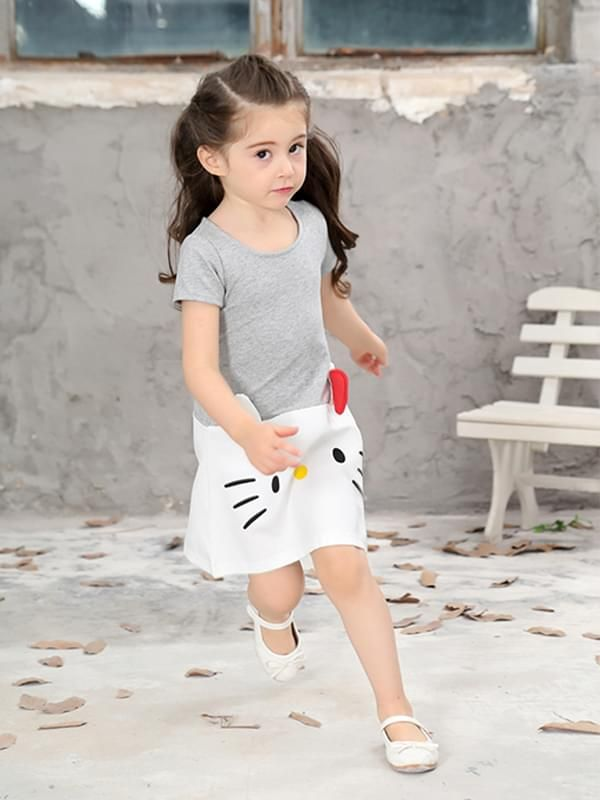 ... Wholesale Kiskissing Cat Print Appliqued Cotton Dress Short-sleeve Dress  for Toddlers Girls the model show ... 0f17941d6