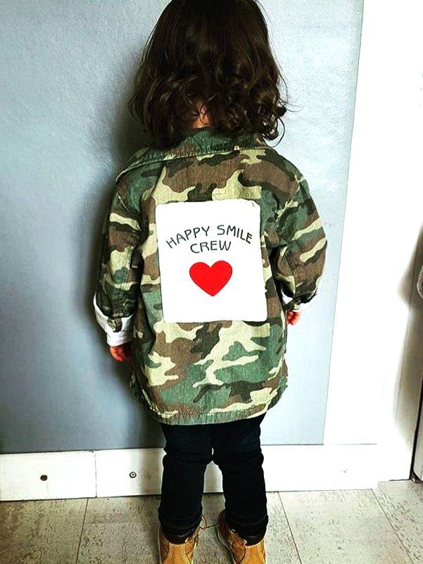 93ccc79af2c0 Wholesale Stylish Happy Smile Crew Love Heart Print