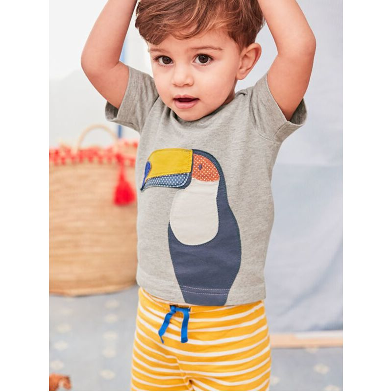 Kiskissing Toucan Pattern T-shirt Shorts Set for Babies Toddlers Boys the model show children's boutique clothing wholesale