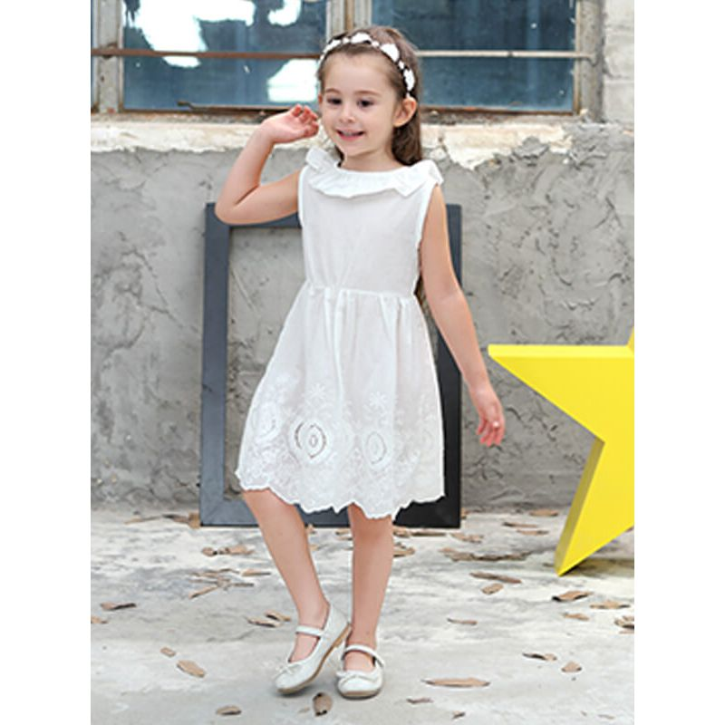 Kiskissing Sleeveless Pierced Ruffled Princess Midi Dress for Toddlers Girls the model show wholesale princess dresses