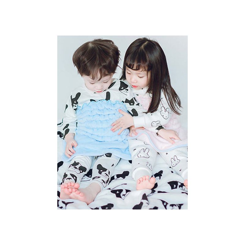 Kiskissing Warm Bellyband Top for Babies Toddlers Boys Girls the model show wholesale childrens clothing