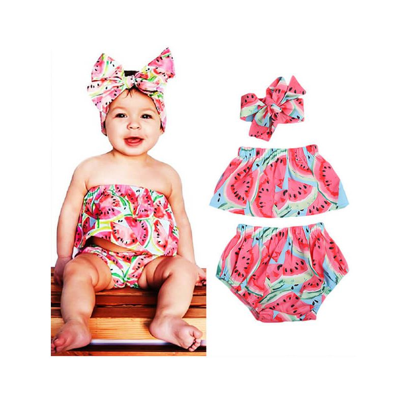 Kiskissing Off-shoulder Printed Top Shorts Headband Set for Baby Toddler Girls the model show wholesale childrens clothing set