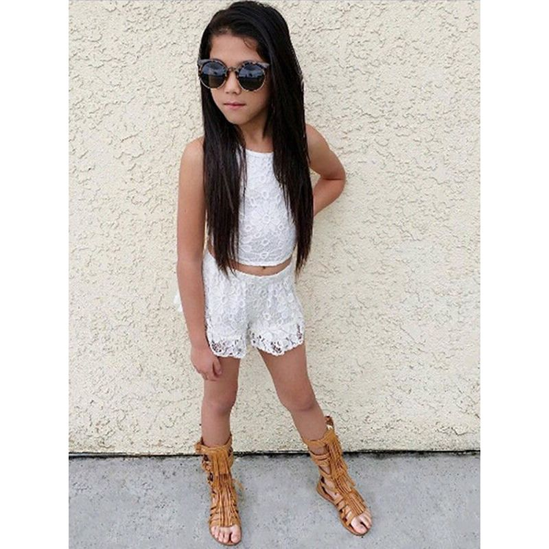Kiskissing Pierced Lace Top Tee Pants Shorts Set for Toddlers Girls the model show wholesale kids clothing set