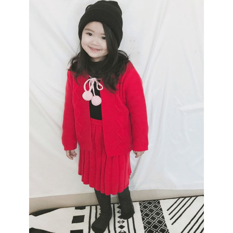 Kiskissing Knitted Sweater Cardigan Top Straps Skirt Set  for Baby Toddler Girls the model show wholesale kids clothing set