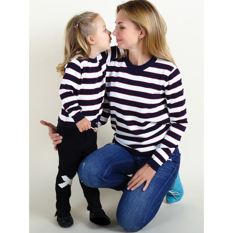 Kiskissing mom and me family matching clothes Stripes Knitted Long Sleeve Sweater Top for Babies Toddlers Boys Girls Mothers the model show wholesale kids clothing
