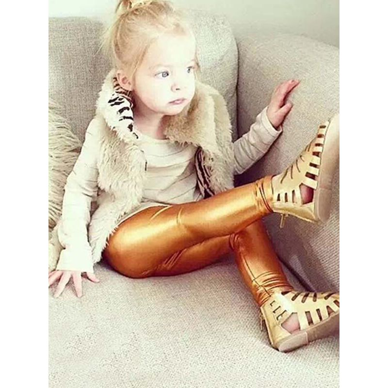 Kiskissing Solid Color Leggings Pants Trousers for Toddlers Girls the model show wholesale kids clothing