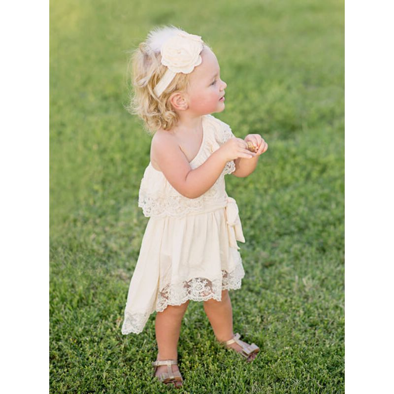 Kiskissing One-shoulder Sleeveless Mesh Party Princess Dress for Babies Toddlers Girls the model show wholesale princess dresses
