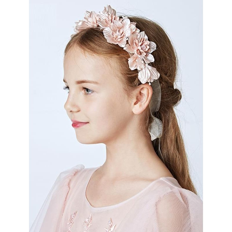 Kiskissing Flowers Garland Headband 29x6cm Head-wear Hair Clasp for Girls the model show wholesale children's accessories