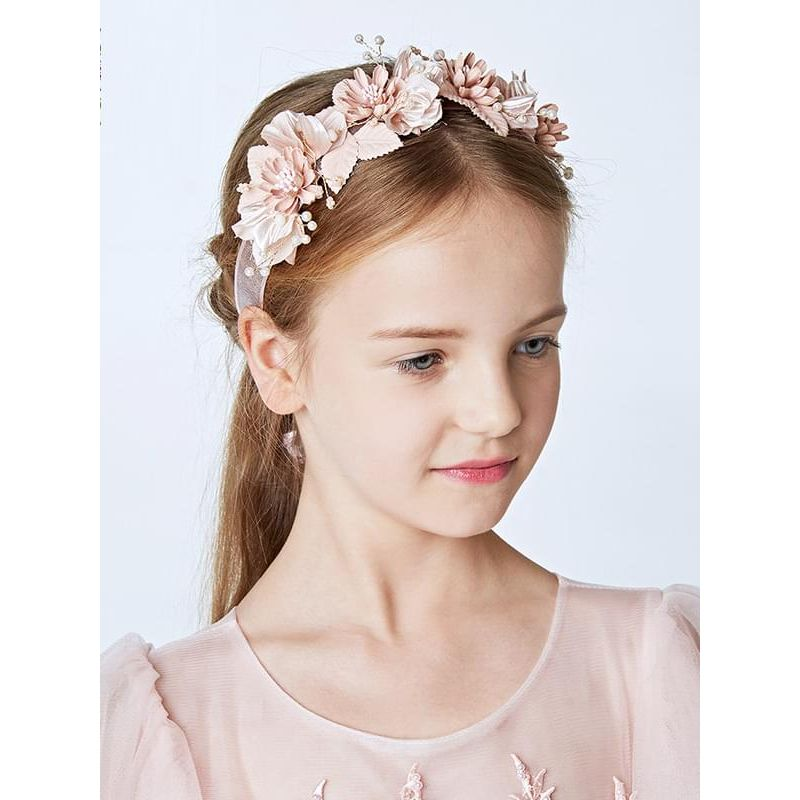 Kiskissing Flowers Garland Headband 24x7cm Head-wear Hair Clasp for Girls the model show wholesale children's accessories