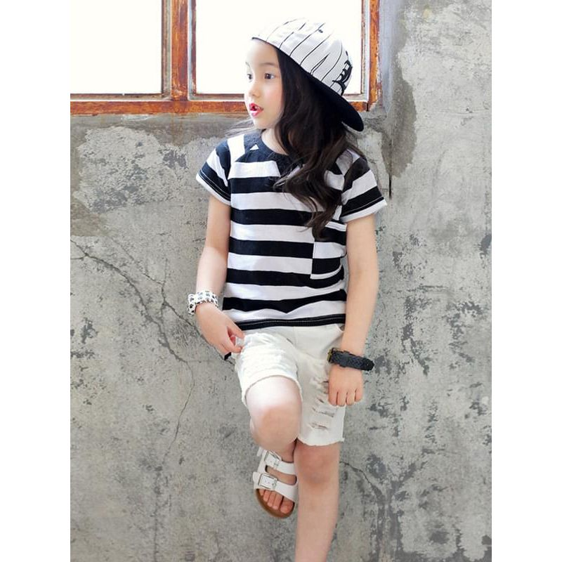 Kiskissing Black-white-stripe Cotton Tee T-shirt Top for Girls Short-sleeve the model show toddler girl wholesale clothing