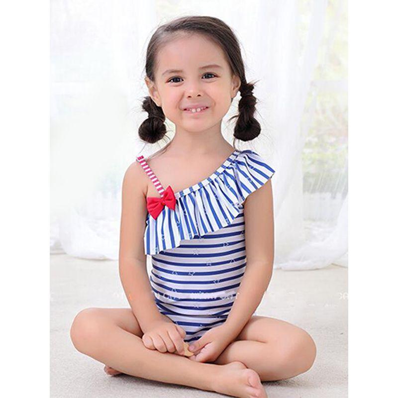 Kiskissing 2-piece Lotus Leaf Skew Collar Striped Swimsuit Set Bowknot Strapped Swimwear For Toddler Girls the model show wholesale kids swimwear