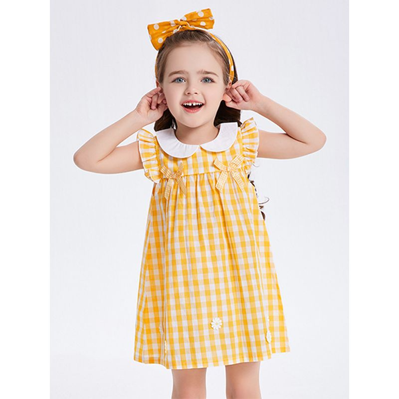Kiskissing Flower Appliqued Gingham Girl Dress Sleeveless Peter Pan Collar for Toddlers Girls the model show wholesale toddler clothing